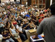 Servidores são contra a mudança de CLT par estatutário