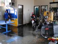 Máquinas no mesmo ambiente do refeitório dos Agentes de Trânsito